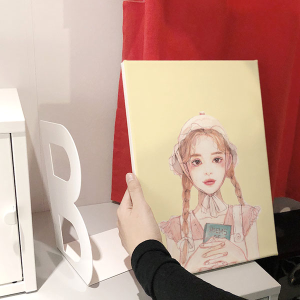 DH 책을든소녀 옐로 아트캔버스